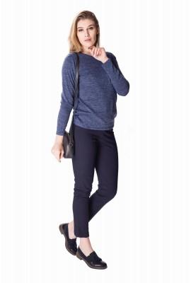 Niebieski sweter damski...